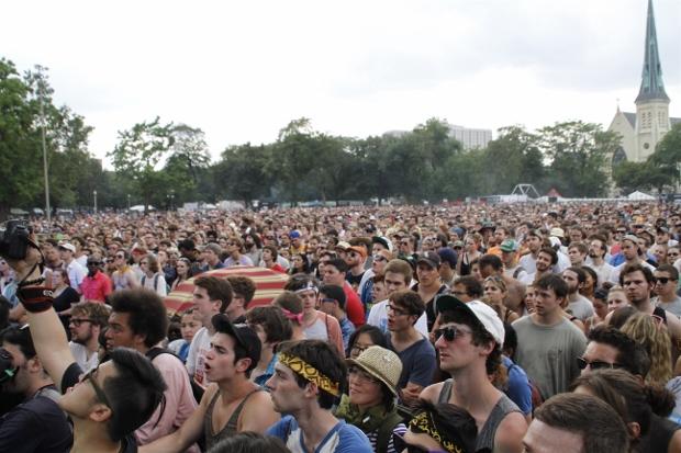 Crowd 6 (620x413)